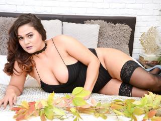 LauraHazel模特的性感个人头像,邀请您观看热辣劲爆的实时摄像表演!